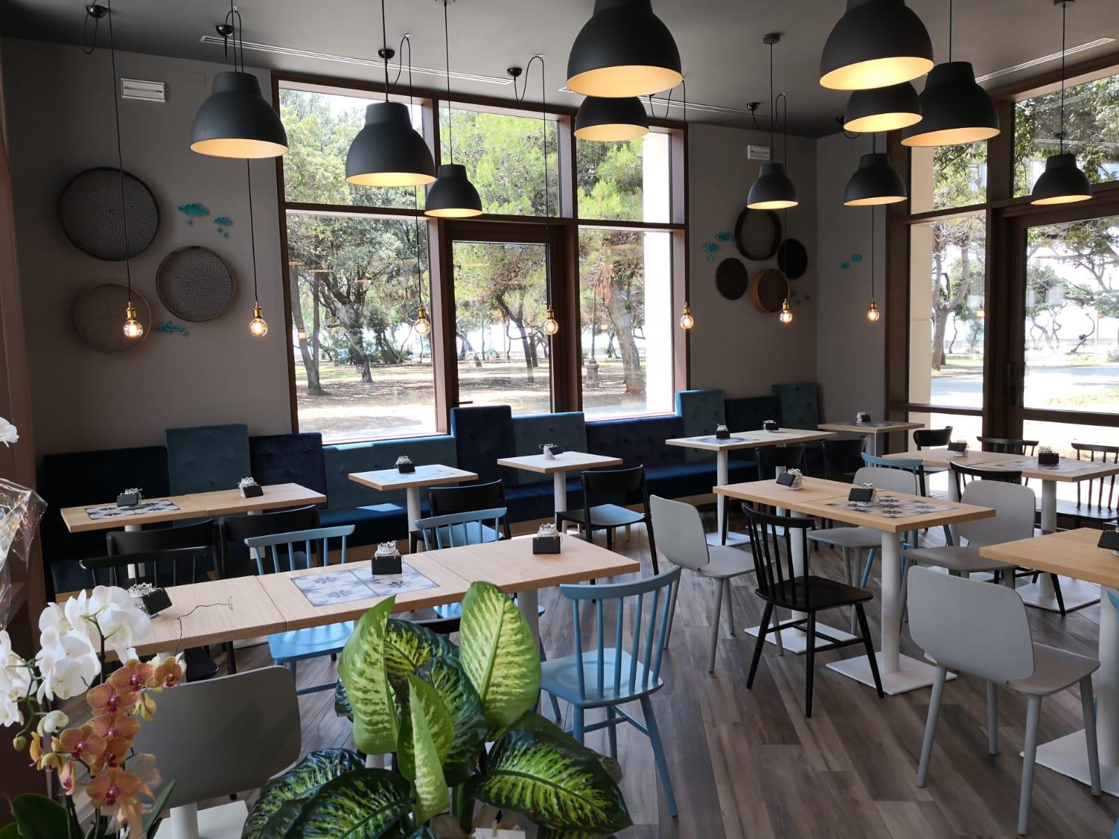 Tavoli caffetteria chalet della rotonda livorno